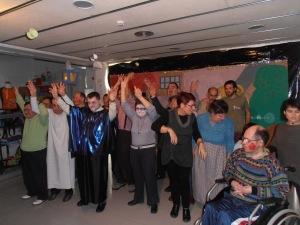 """després de la representació""""El conte de Nadal"""" reben els aplaudiments del públic assistent."""